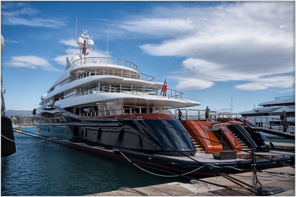 f_yacht