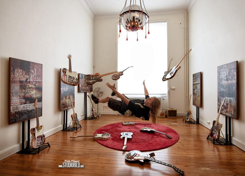http://www.lutzimages.com/studiobild/images/no_gravity_crop_800.jpg